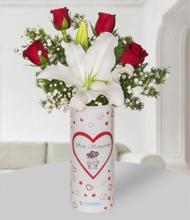 Seni Seviyorum Vazoda Lilyum ve Güller
