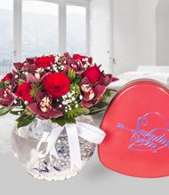 Akvaryumda orkide kýrmýzý güller ve seni seviyorum çikolata